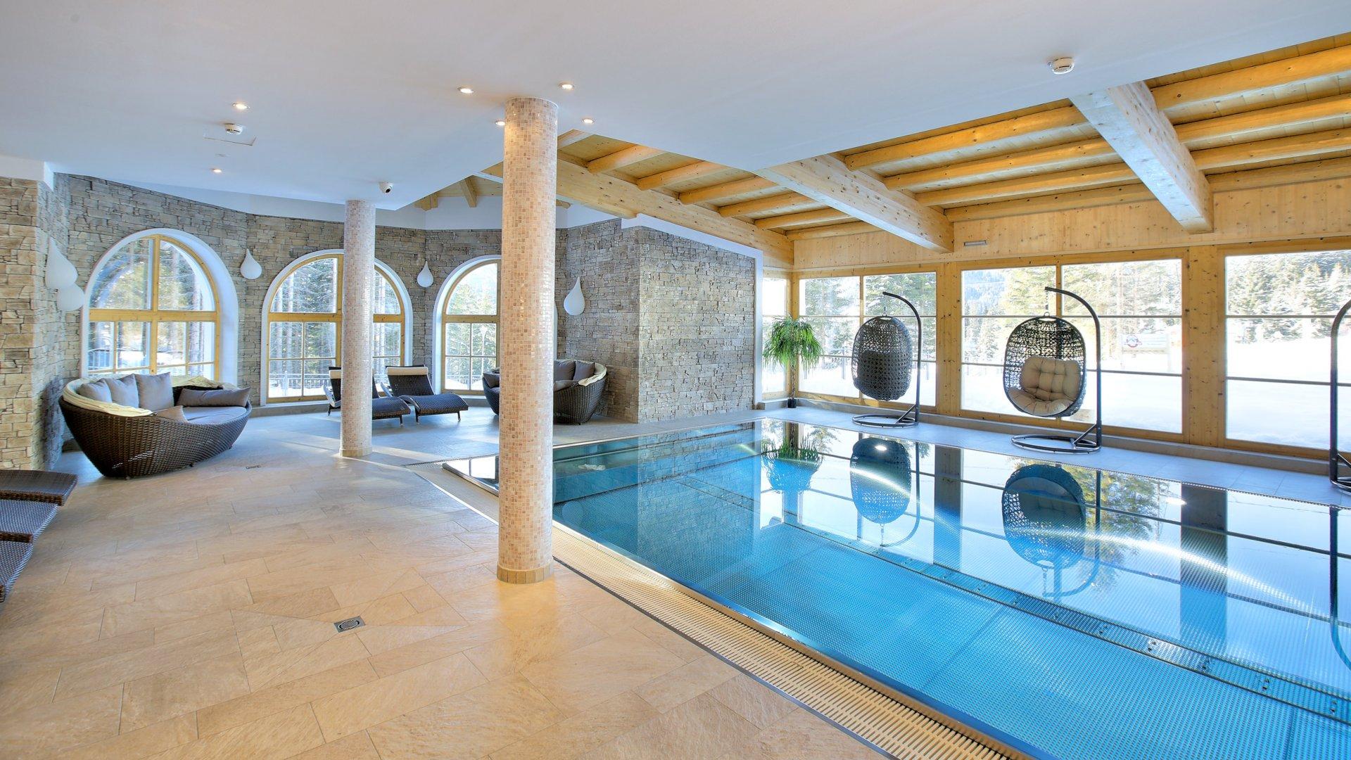 Kinderfreies wellness hotel indoor pool hallenbad - Innenpool bauen ...